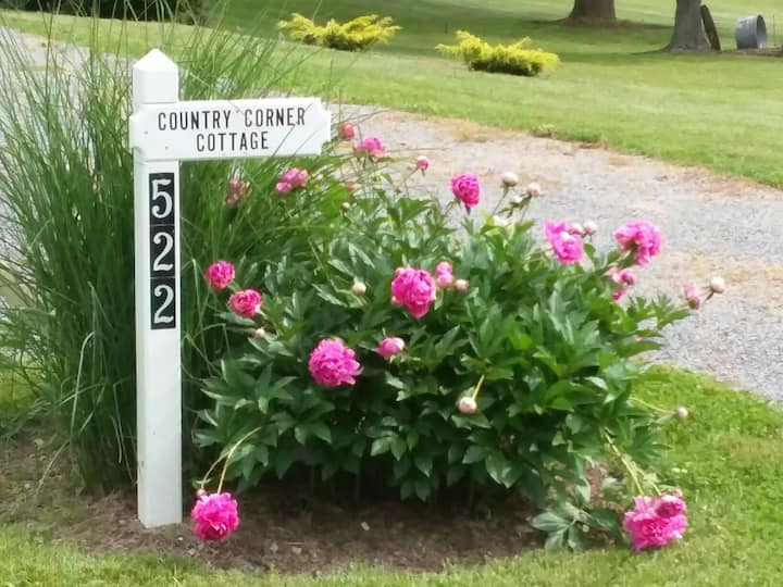 WOW- MID WEEK available at COUNTRY COTTAGE - OCT!!