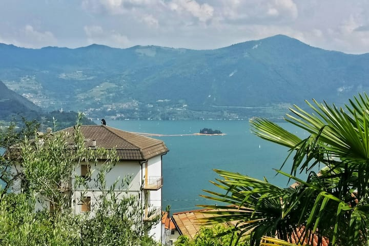 The Floating Piers View Apartment