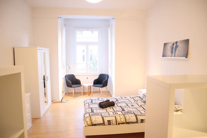 ROOM 5_Nice double room of 25 sqm, in Bonn Beuel