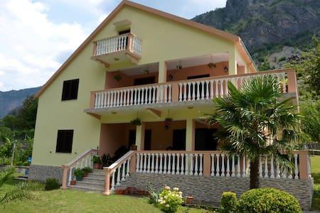 Guesthouse Adriatiku