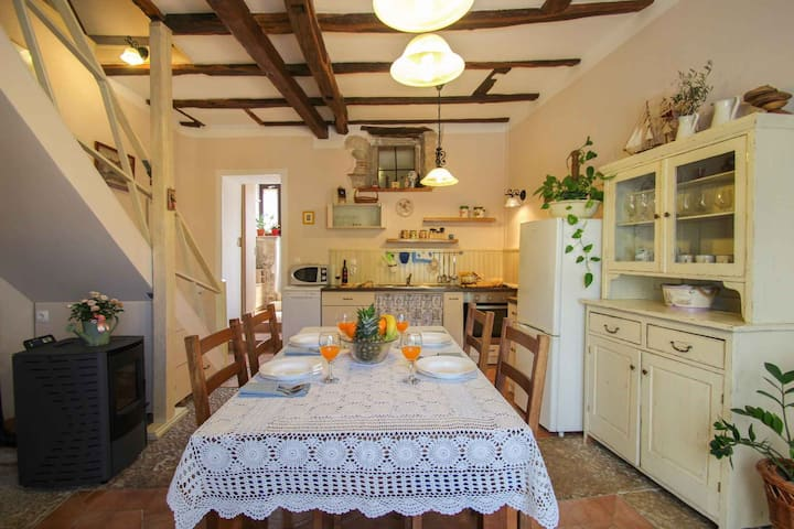 House for 4+2 pers with WLAN in Brtonigla R62161