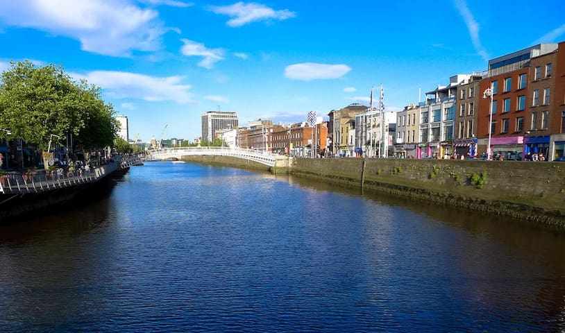 King bed in the City. 5mins from Guinness brewery - Dublin - Huoneisto