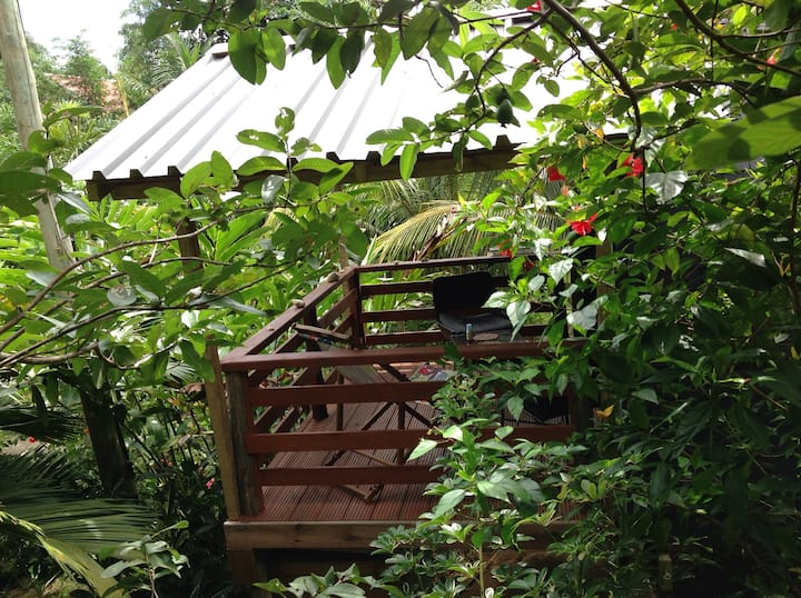 Hibiscus  log cabana. A PEACE IN PARADISE VILLA