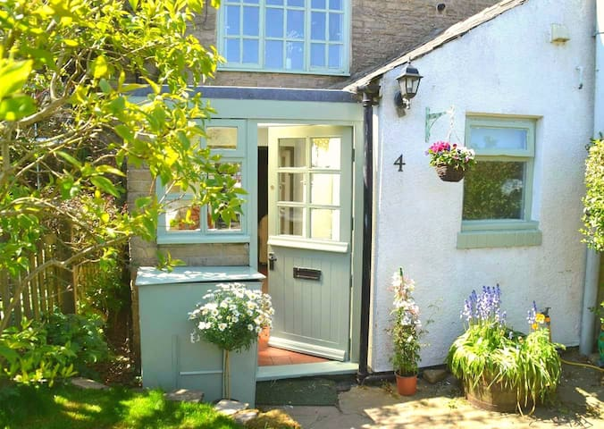 Gorgeous character cottage in pretty village