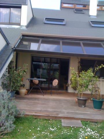 Séjour dans une maison d'architecte avec jardin - Villeparisis - In-law