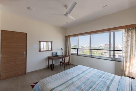 Современная семейная квартира 2 Спальни