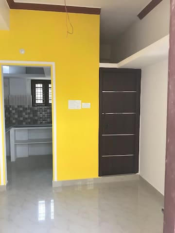 Fully Furnished 2 BHK Service Aprt next to Metro