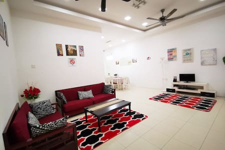 Amira Homestay, 4 airconditioned room + Free Unifi