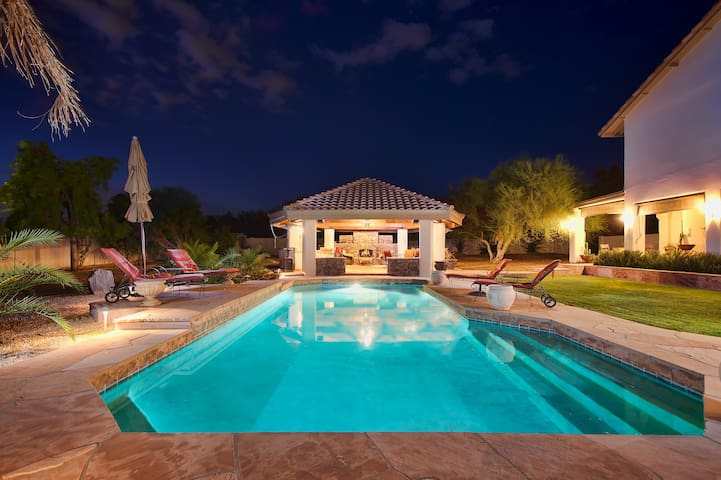 Concierge, Sports Court, Heated Pool, Spa, More