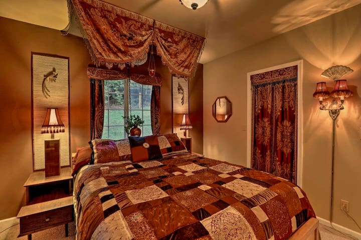 Cozy up in this queen sized, heated mattress padded, cushy bed for a good night's sleep :-)
