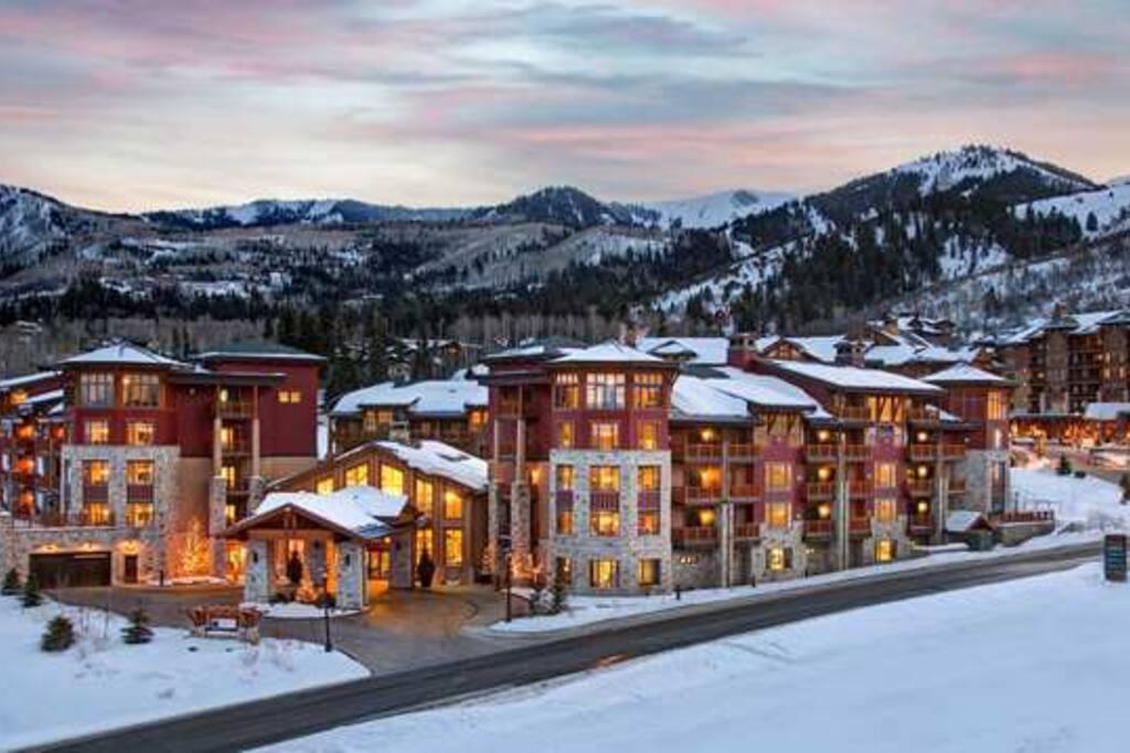 Beautiful Sunrise Lodge