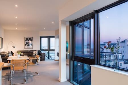 Luxury penthouse with beach views - Bournemouth - Apartment