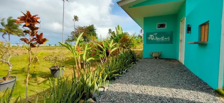 Bungalow with private Pool and beach for 6 people