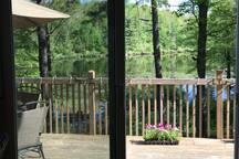 Laurentian Cottage Lakefront Oasis