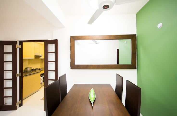Pri and Dhilan - Sri Jayawardenepura Kotte - Apartment