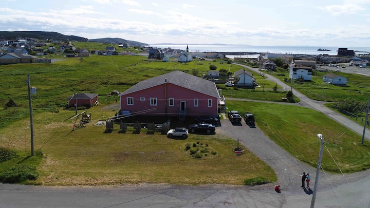 Bonavista B&B - Honeymoon suite-Captains Rm