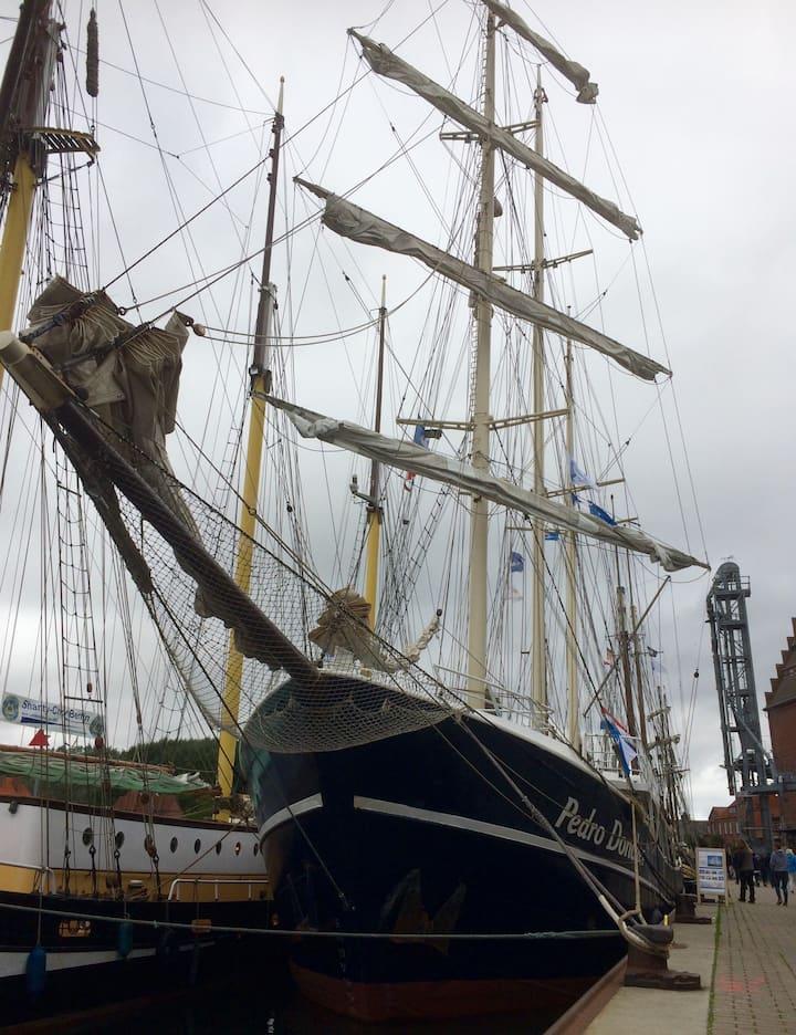Hafenkante Koje 1.0 Direkt am Hafen gelegen.