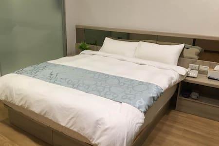琉戀客佔 Boutique HOTEL 雙人套房 Double Room - Luodong Township - Rumah Tamu