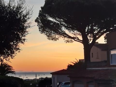 Mazet  Domaine Font Mourier Golfe de St Tropez.