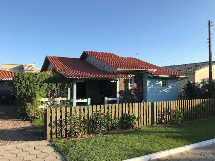 Casa Praia com Ar Condicionado e WiFi - Campo Bom