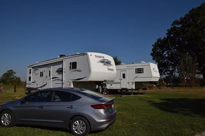 RV Camper on 87 acres of peaceful farmland !!!
