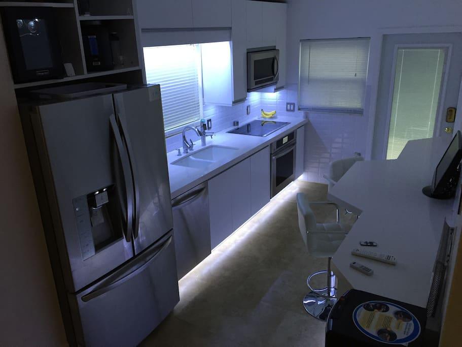 New Modern Full Kitchen