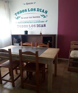 UBICACION EXCELENTE CON BUENA VISTA EN AZUL