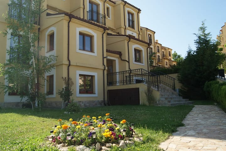 Large apartment with private entrance and patio