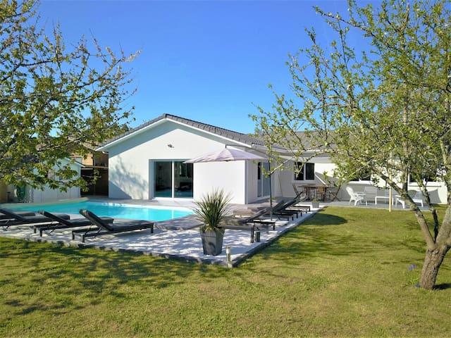 Villa  8 pers. 150m² avec piscine chauffée