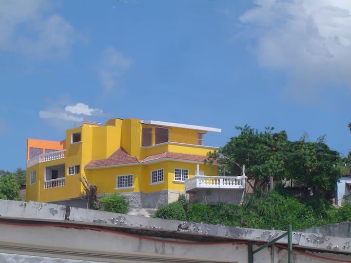 Casona del Cerro- Cantil