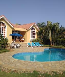 Beautiful Carribbean Villa next to the beach - Sosúa