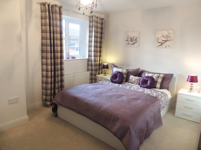 Conwy Castle 5 min cooked breakfast 2 DOUBLE ROOMS - Conwy - Dům