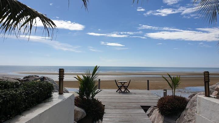 VVIP Beach House