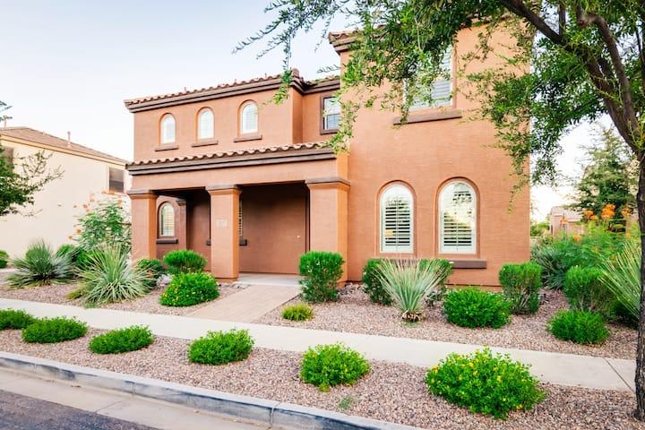 Beautiful Arizona Getaway in the Heart of Gilbert!