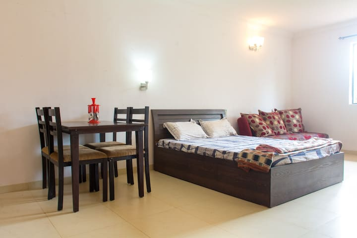 Studio Rental at Arpora-Baga, Goa  - Bardez - Apartamento