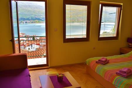 Villa Ohrid- Violet lake view apartment - Охрид