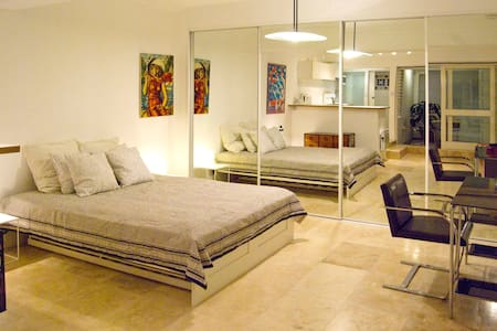 Newly renovated furnished Studio - Rosebery - Lejlighed