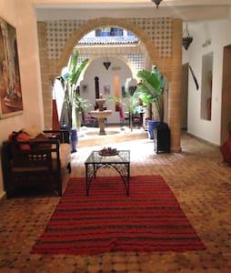 Riad Jemalhi Mogador - Essaouira - Bed & Breakfast