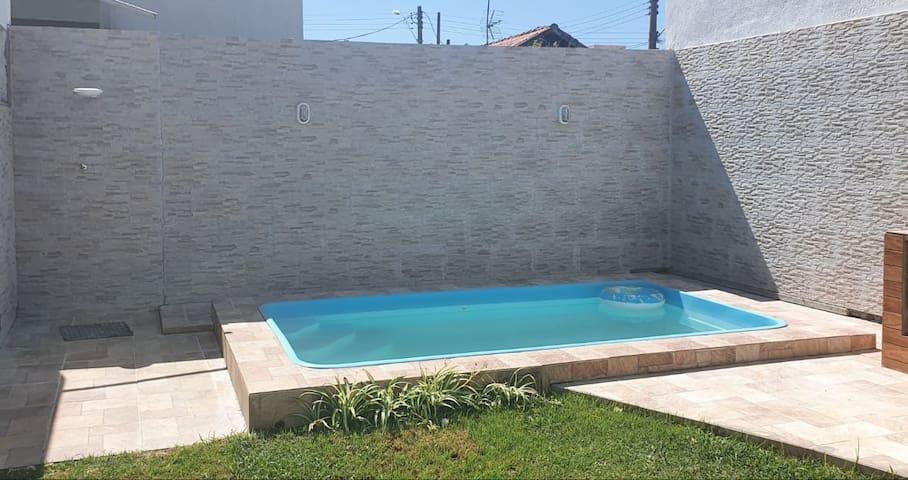 Casa com piscina para temporada em Cabo Frio