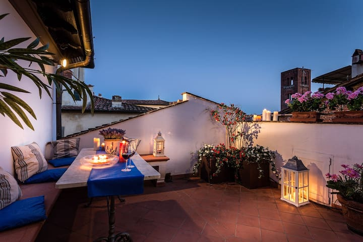 OLD TOWER, TERRACE,A/C,WI-FI - Lucca - Apartment