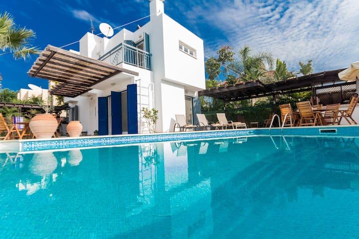 3 Bedroom Villa in Central Protaras - Paralimni - Huis