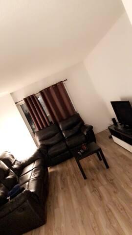 Appartement très spacieux avec services hôteliers