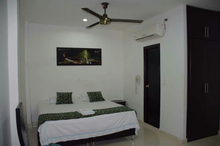 Linda habitacion con aire - Barrancabermeja - House