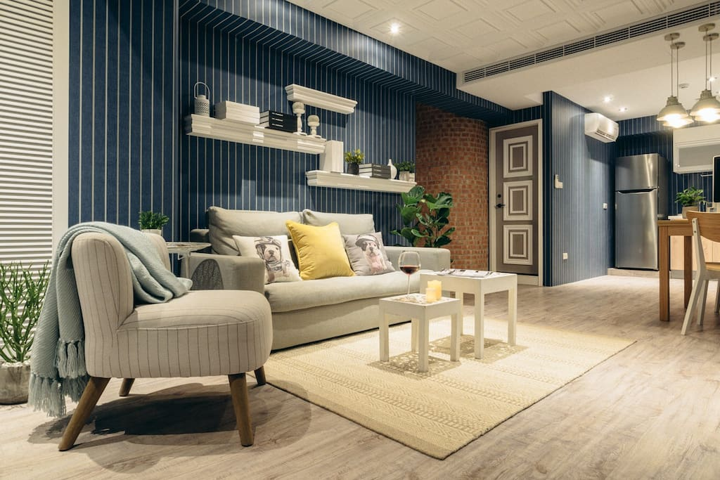 Living Room. 客廳