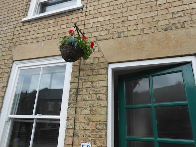 Victorian cottage centrally located to a quite twn - Bury Saint Edmunds - Appartement