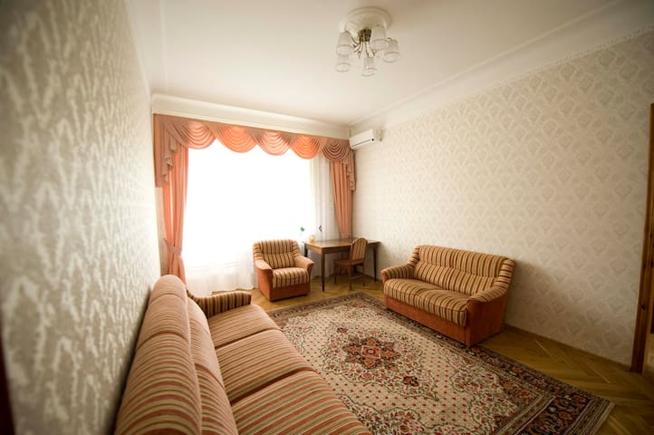 Living room, view from the entrance