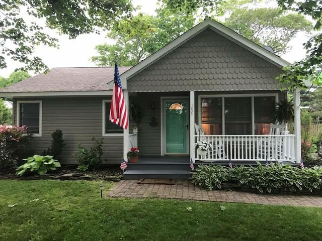 US OPEN SPECIAL*** Beach Bungalow