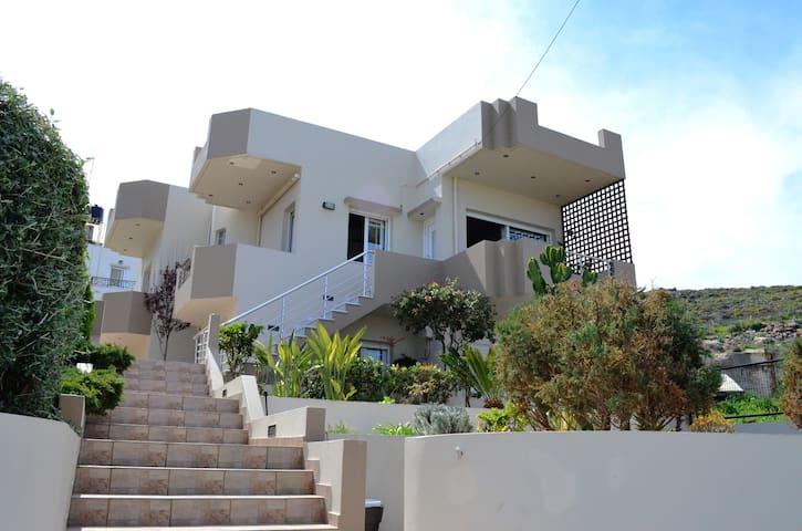 Nicole Seafront Residence - Kokkini Hani - Haus