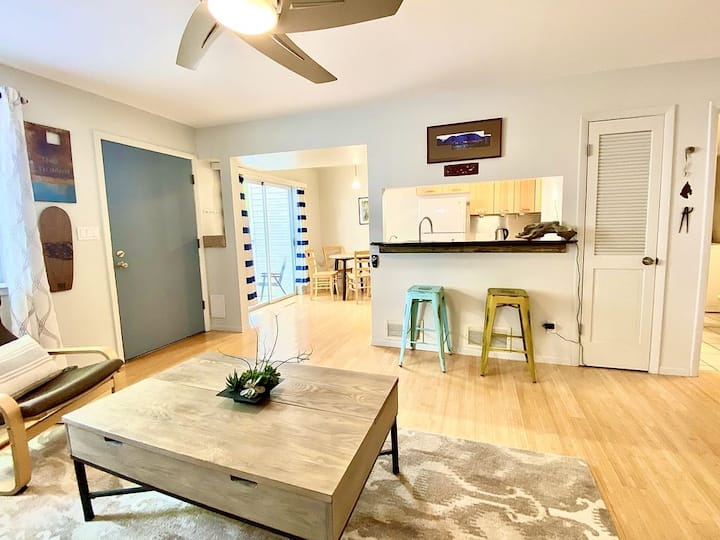 Modern Bohemian Townhome, Private patio/entrance!!
