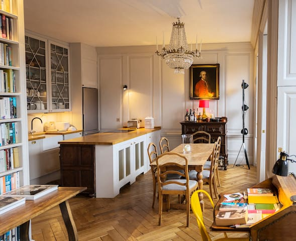 Classical Apartment on Royal Mile - Edinburgh  - Huoneisto